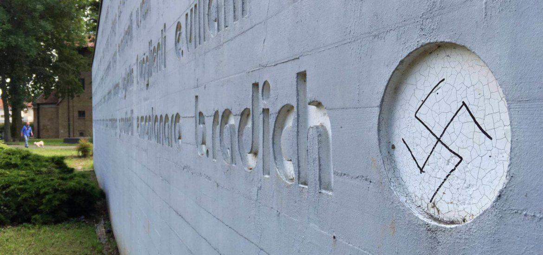 monumento martiri grugliasco